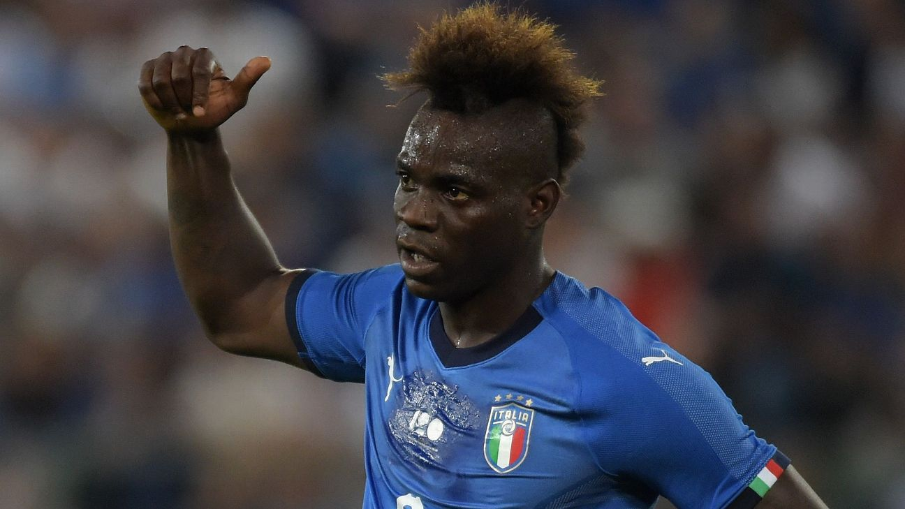 FARE has praised Mario Balotelli for standing up to racism.