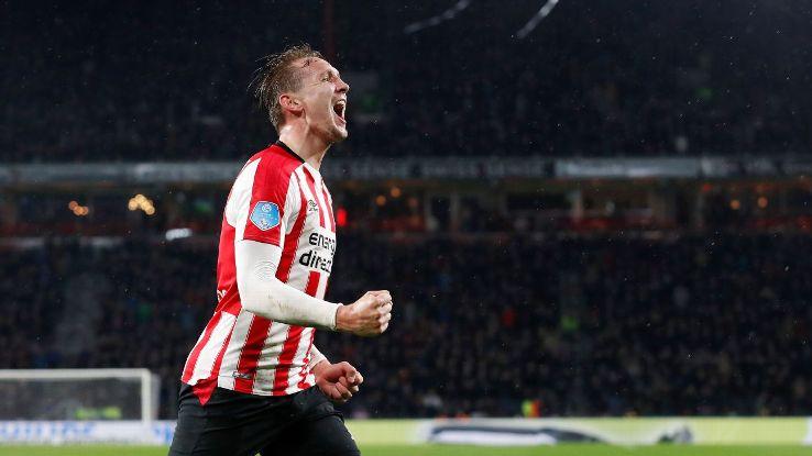 Luuk de Jong scored 12 goals in the Eredivisie this season playing alongside Mexico international Hirving Lozano.