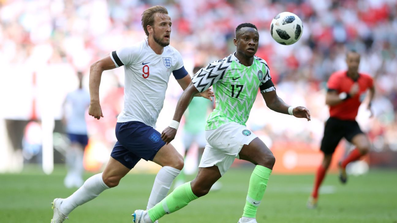 England's Harry Kane (left) and Nigeria's Ogenyi Onazi battle for the ball during the International Friendly match at WembleyStadium, London.
