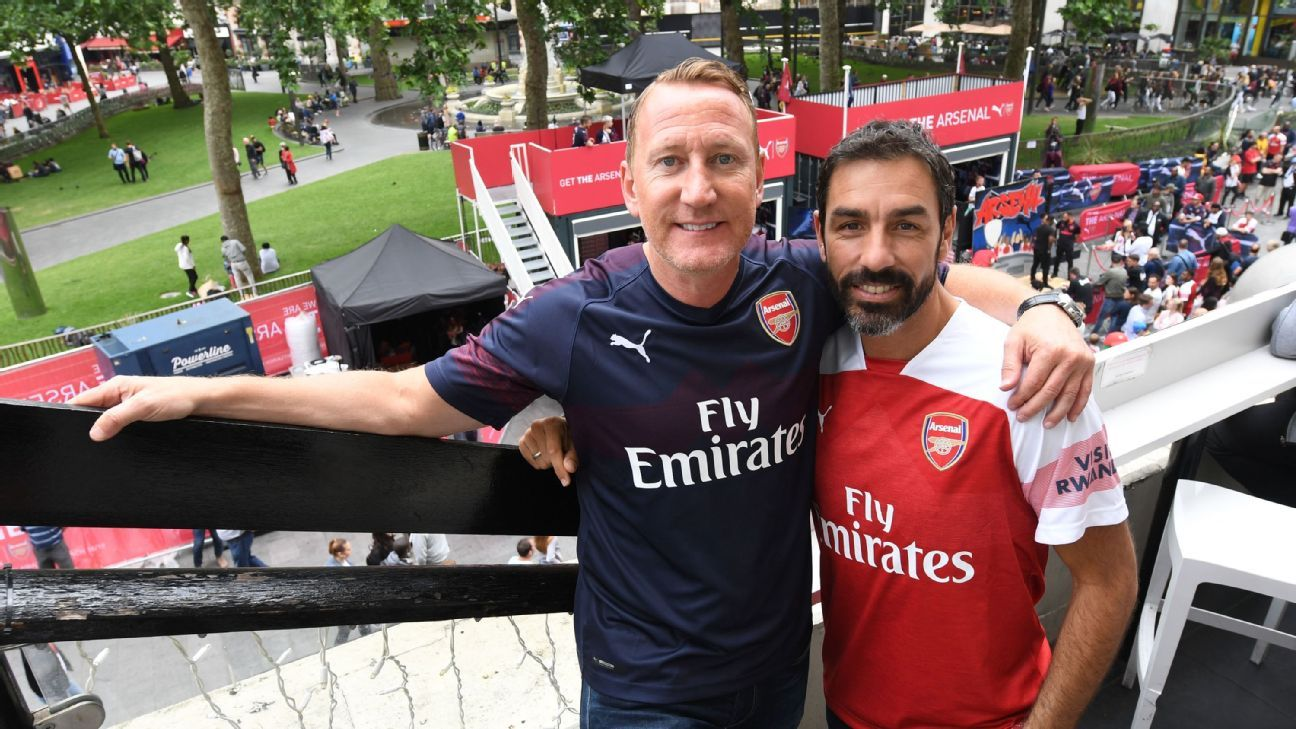 Ray Parlour and Robert Pires at the launch of the Arsenal away kit