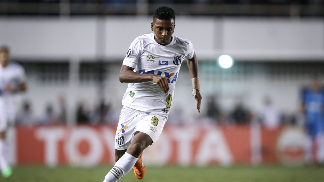 Rodrygo during a Copa Libertadores match for Santos.
