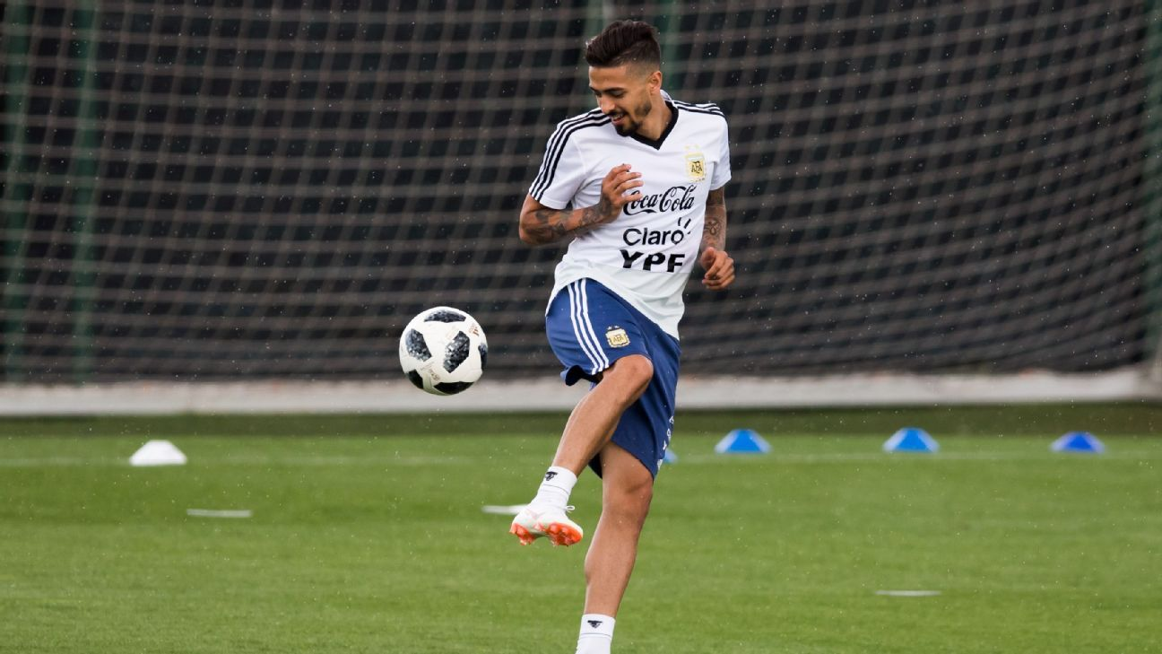 Manuel Lanzini will miss out on his first World Cup.