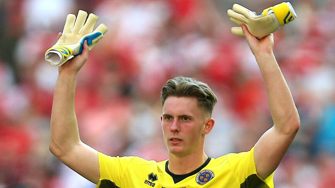Dean Henderson is set to sign a new deal at Manchester United.