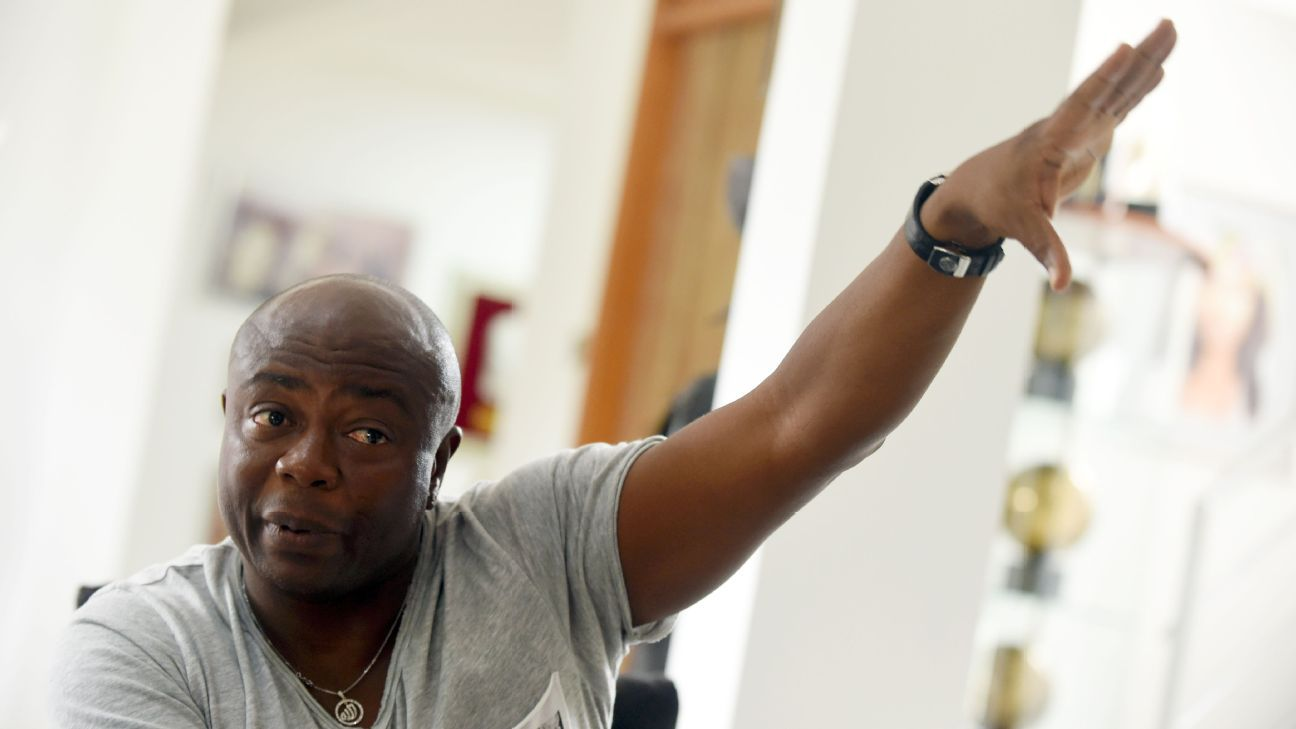 Ghanaian football legend Abedi Pele has been named to a temporary panel to help run his country's FA.
