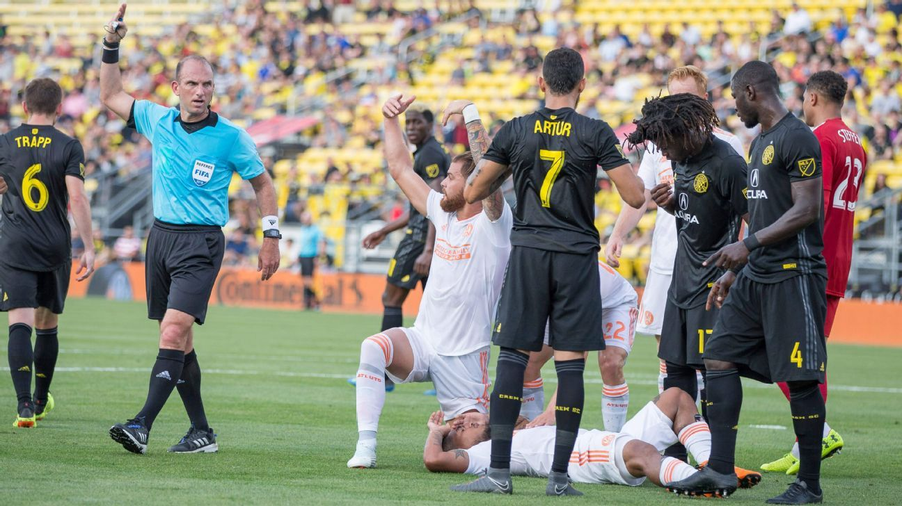 Josef Martinez suffers apparent injury as Atlanta United beat Columbus Crew