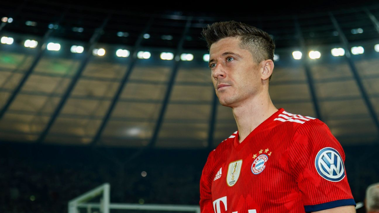 Bayern Munich's Robert Lewandowski after losing the DFB Pokal final to Niko Kovac's Eintracht Frankfurt.