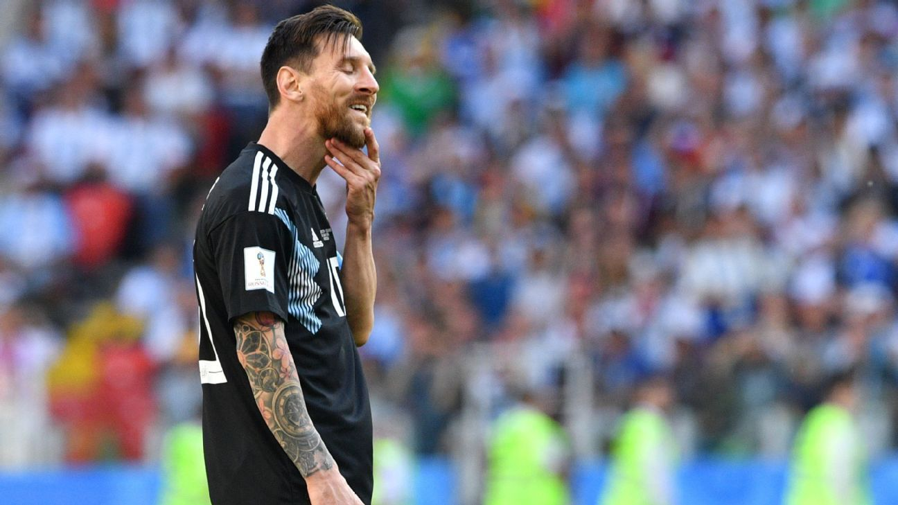 Lionel Messi reacts after his penalty was saved against Iceland.
