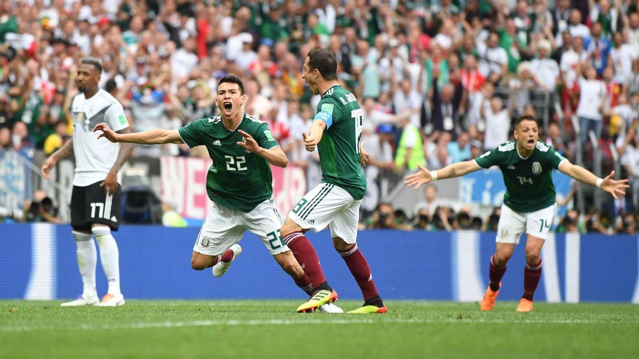 Hirving Lozano of Mexico celebrates