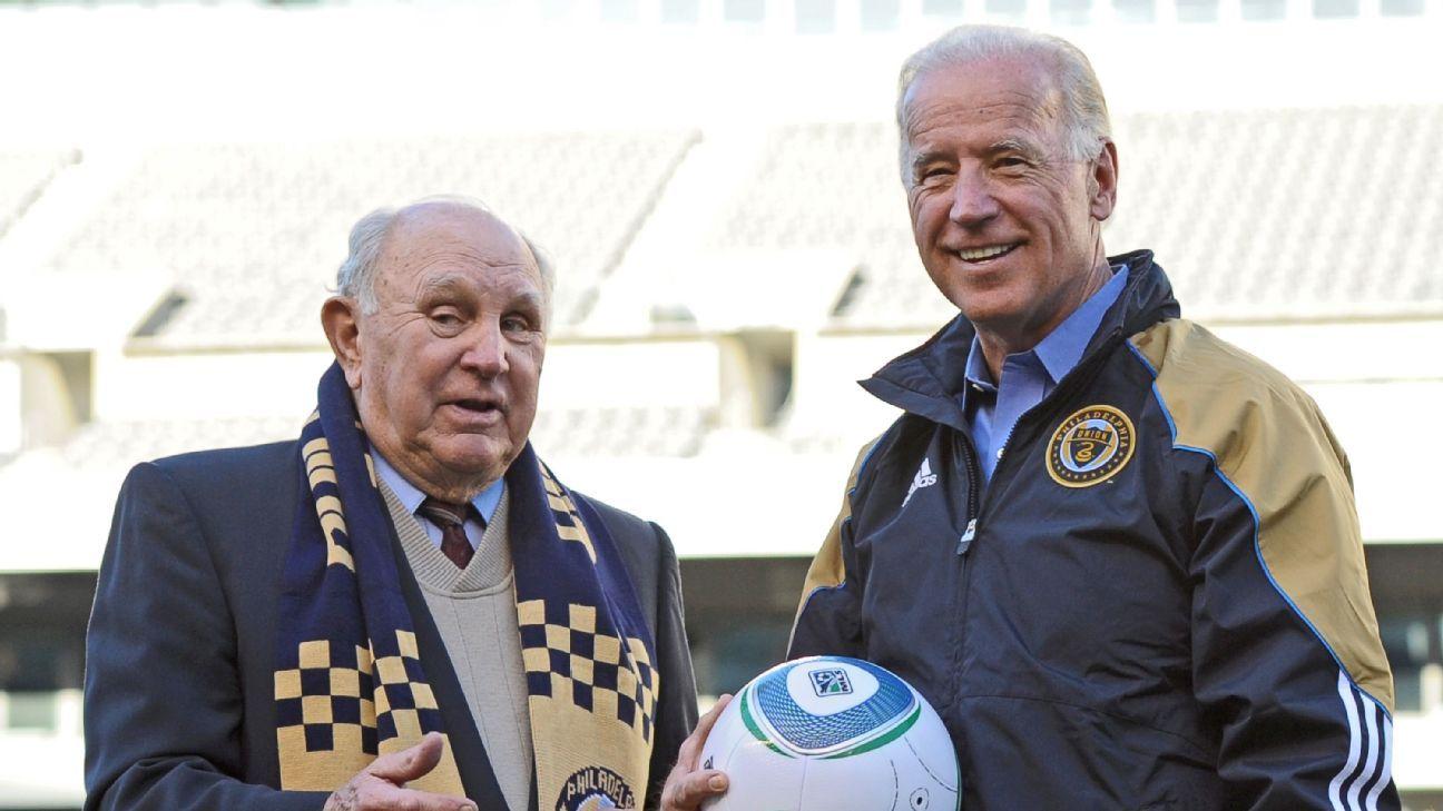 Walter Bahr, left, speaks with vice-president Joe Biden before a Philadelphia Union match in 2010.