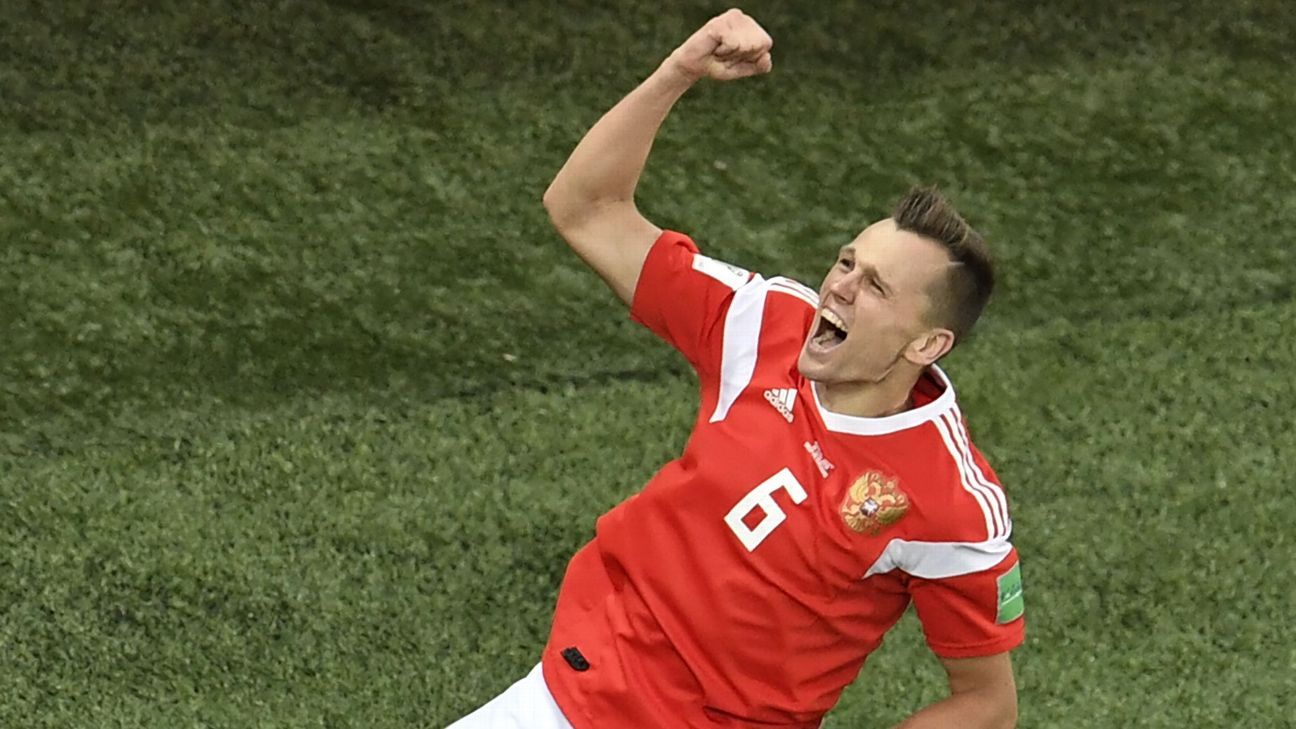 Russia international Denis Cheryshev has joined Valencia on loan from Villarreal for 2018-19.
