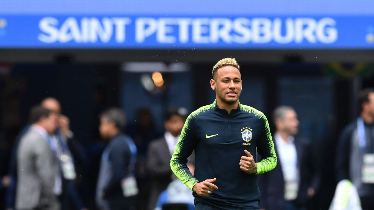 Neymar trained before Brazil's World Cup clash with Costa Rica
