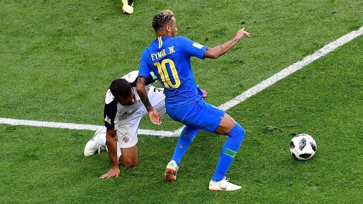 Giancarlo Gonzalez appears to pull down Neymar, but the resulting penalty was overturned.