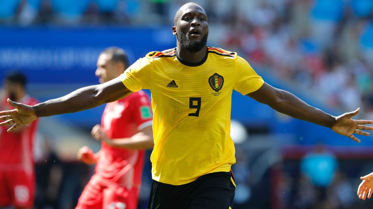 Romelu Lukaku celebrates after scoring his side's second goal.