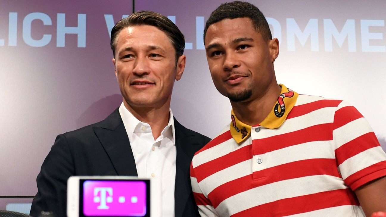 Bayern Munich coach Niko Kovac (left) with Serge Gnabry.