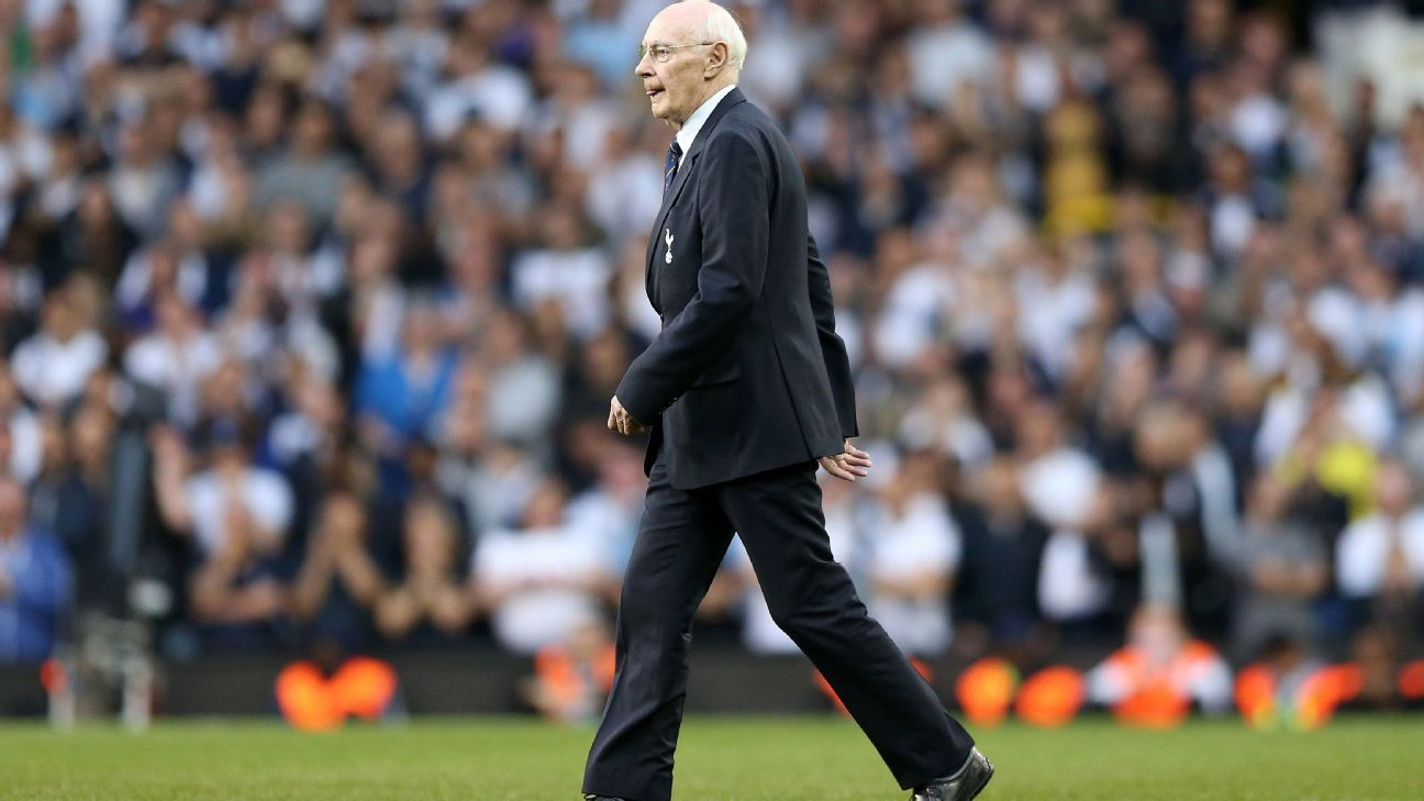 Alan Gilzean, pictured in 2017, became known as 'The King of White Hart Lane.'
