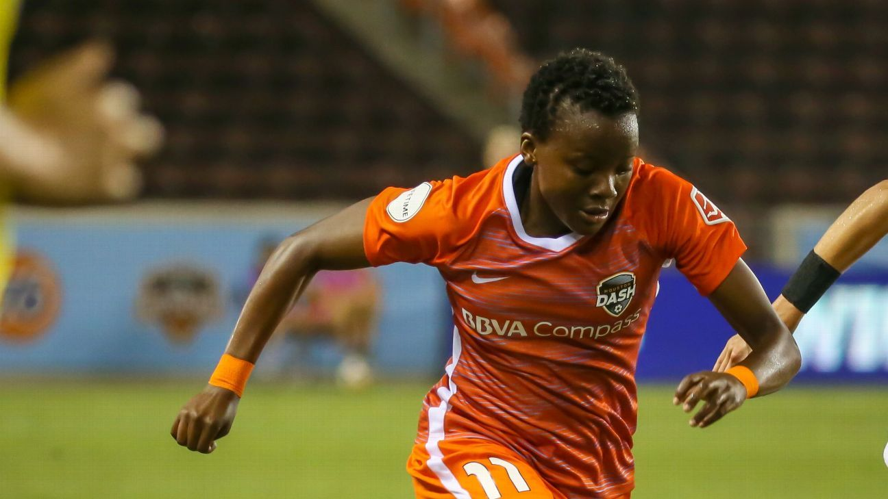 Thembi Kgatlana signed for the Houston Dash in April, and has seen her contract extended to the 2018/19 season.