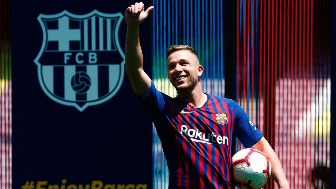 Barcelona's new player, Brazilian midfielder Arthur.