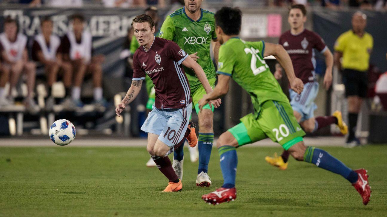 Joe Mason action Colorado Rapids