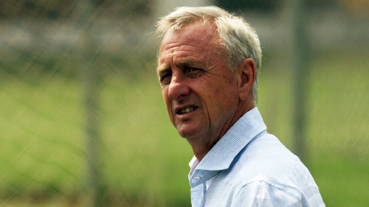 The late great Johan Cruyff mentored Marcelo Michel Leano at Chivas.
