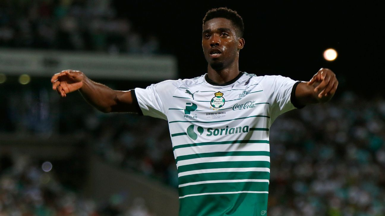 Santos will miss Djaniny's goals after his shocking offseason move to Saudi Arabia side Al-Ahli.