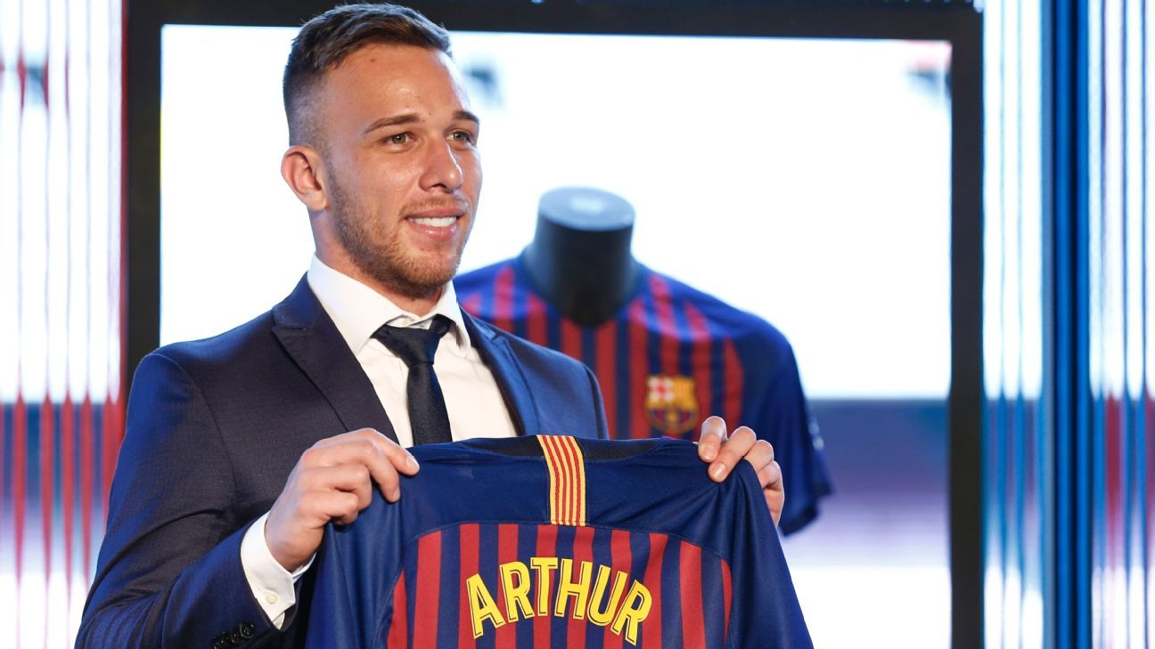 Arthur is unveiled as a Barcelona player.