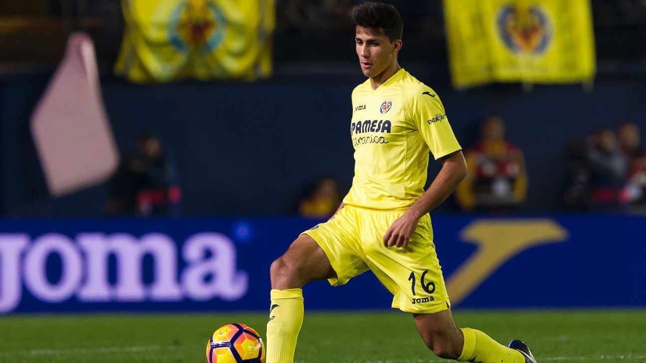 Rodrigo Hernandez in action for Villarreal.