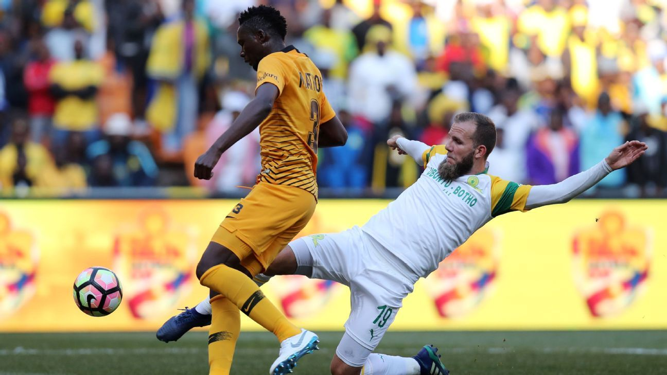 Eric Mathoho of Kaizer Chiefs challenged by Jeremy Brockie of Mamelodi Sundowns