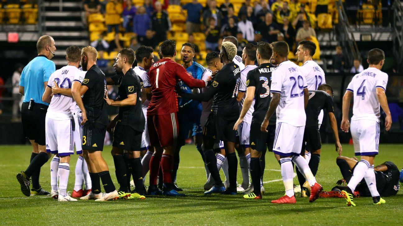 MLS fines Orlando's Dom Dwyer, CEO Alex Leitao for criticizing referee