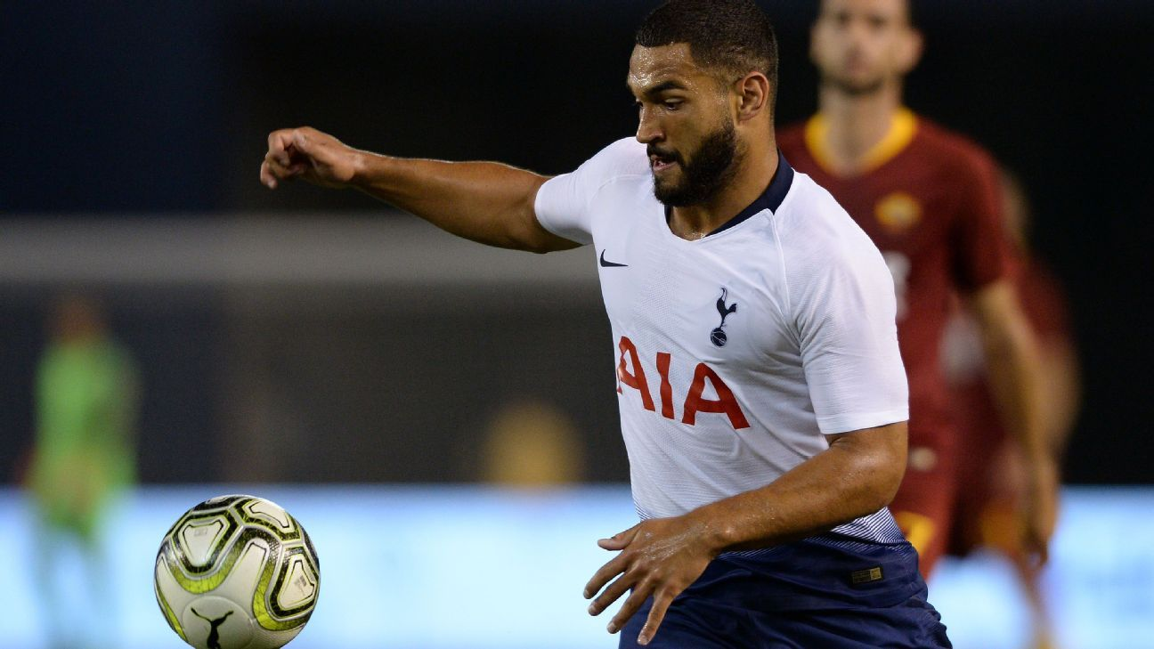 Tottenham defender Cameron Carter-Vickers plays the ball.