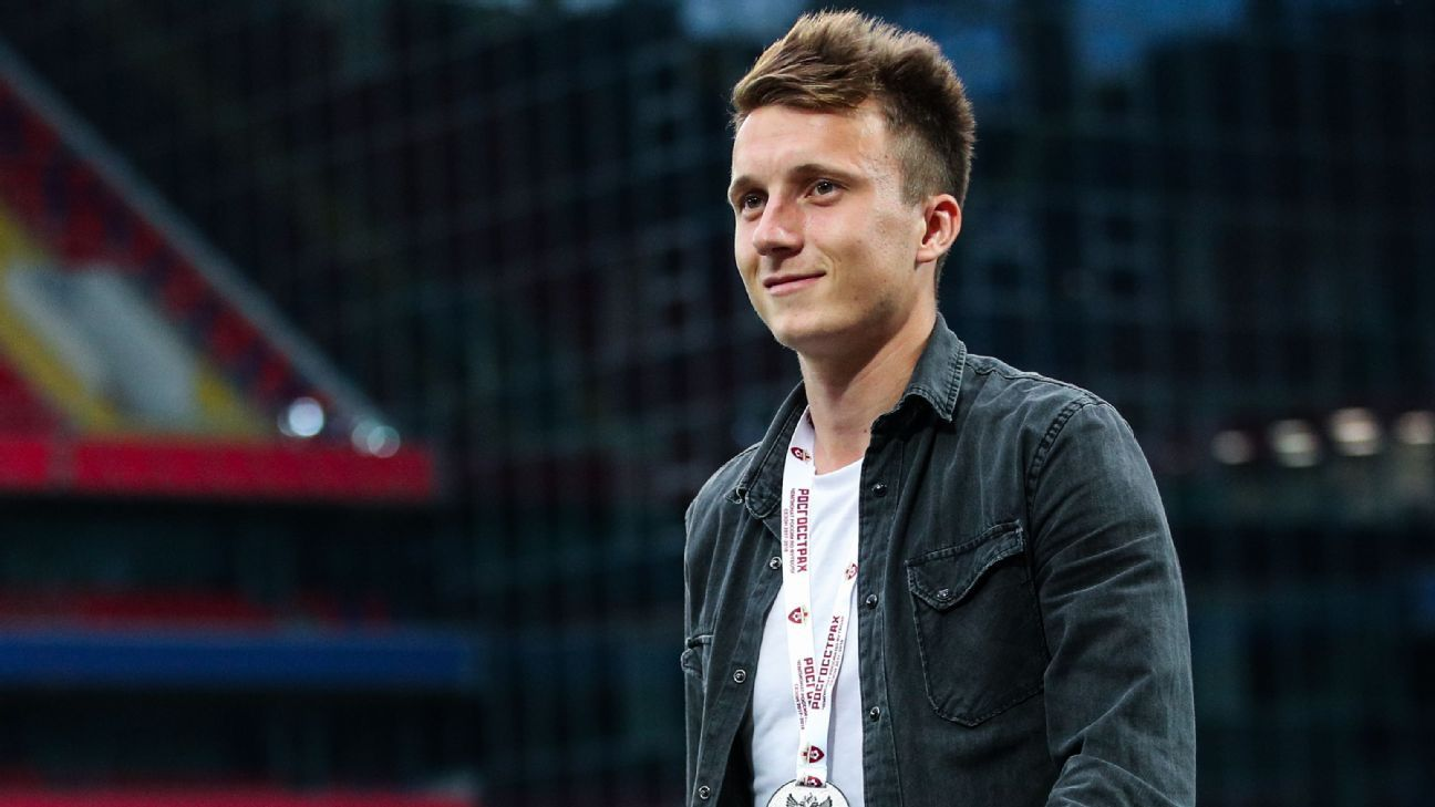 Aleksandar Golovin has joined Monaco on a five-year contract.