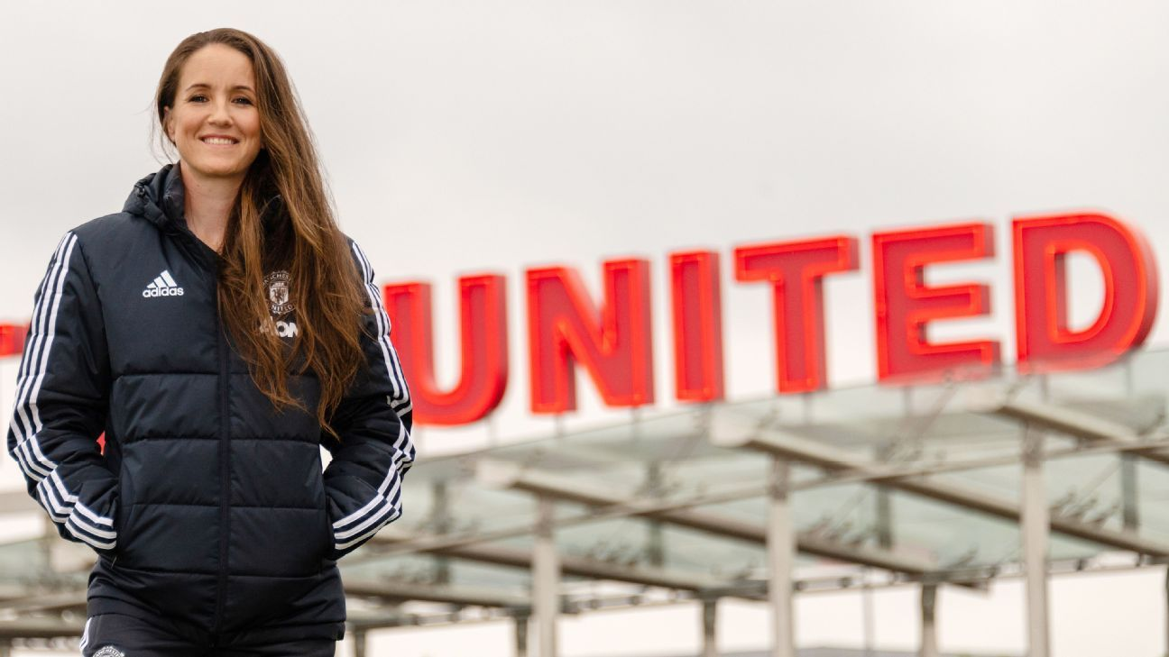 Casey Stoney's Manchester United side will face Liverpool.