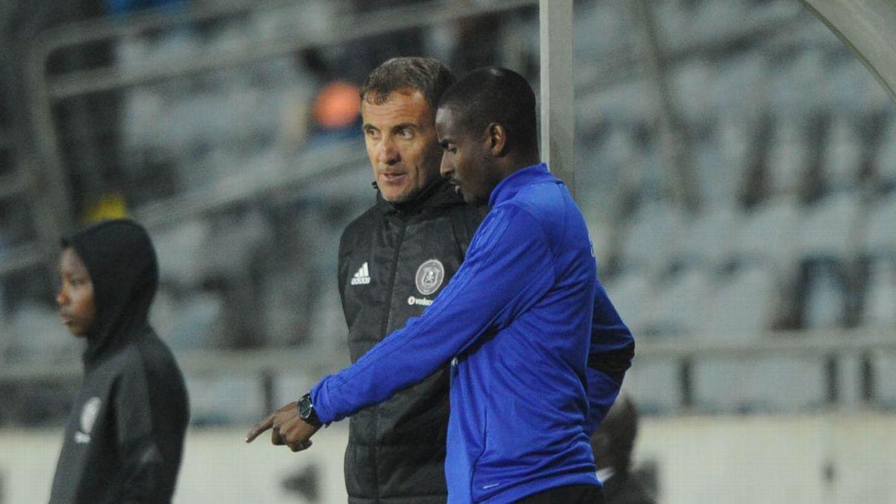Milutin Sredojevic coach of Orlando Pirates with his assistant Rhulani Mokwena