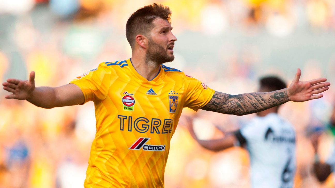 Andre-Pierre Gignac has signed an extension to stay at Tigres.