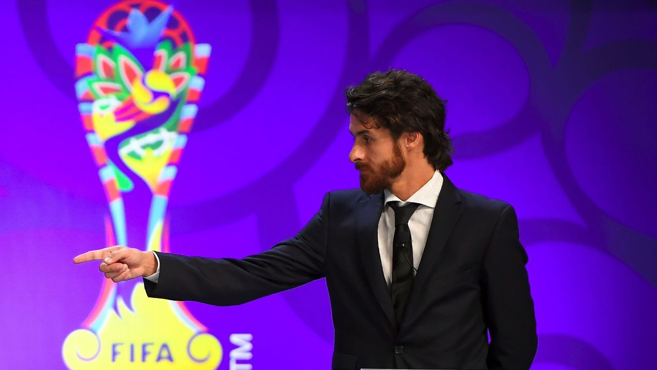 Argentina search begins as Lionel Scaloni and Pablo Aimar keep hotseat warm
