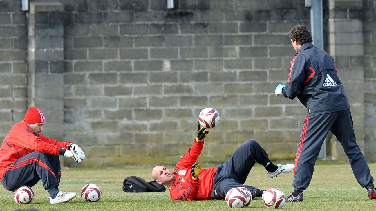 Xavi Valero worked with Jose Reina.