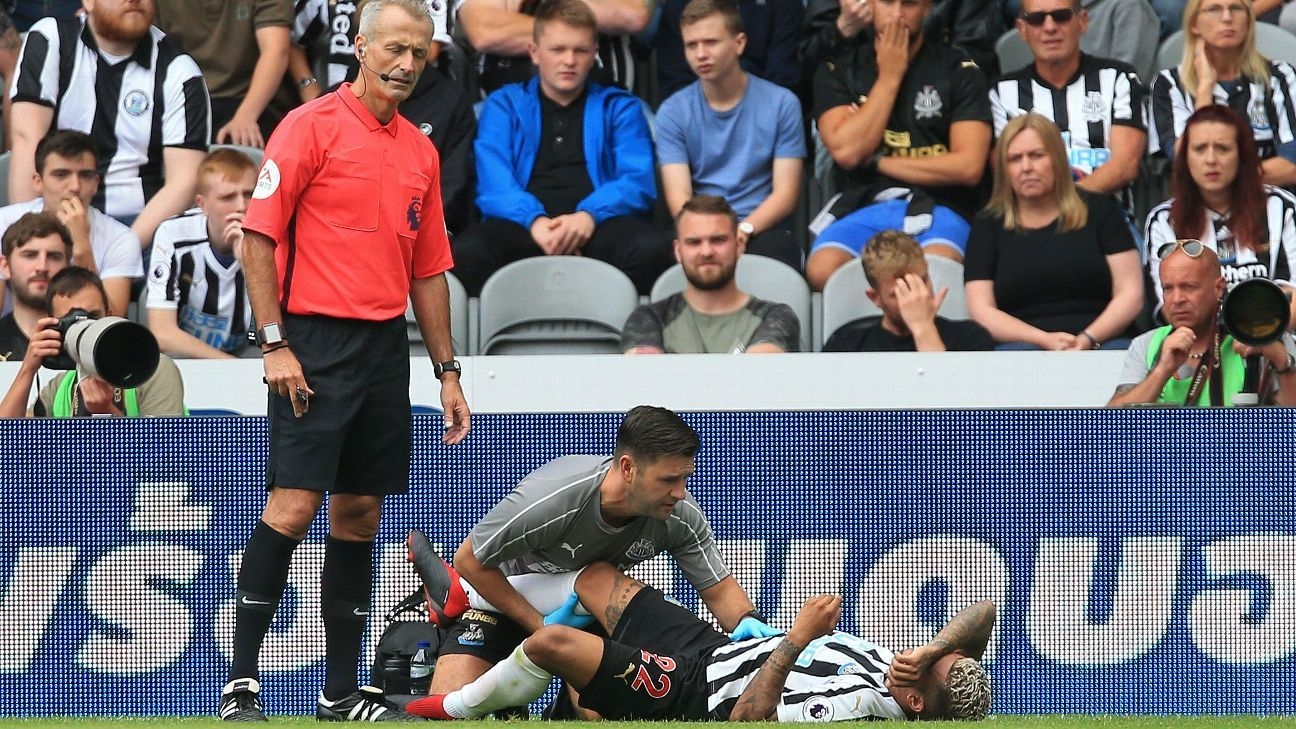 DeAndre Yedlin injured his right knee in Newcastle's season opener.