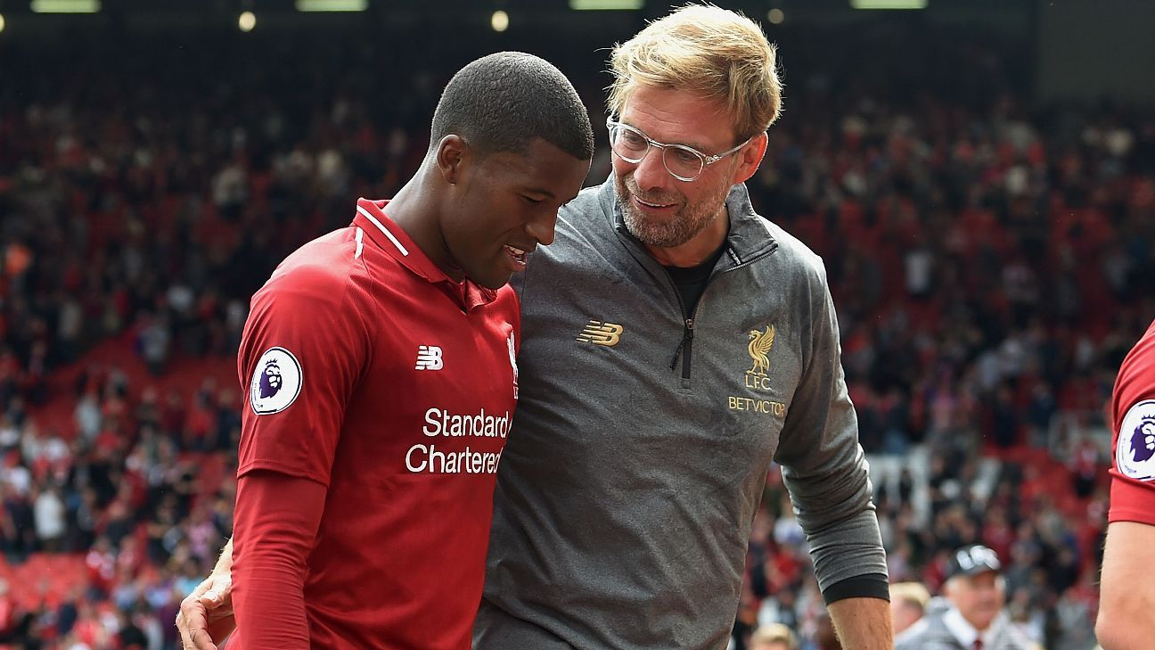 Georginio Wijnaldum is congratulated by Jurgen Klopp after the win over West Ham.