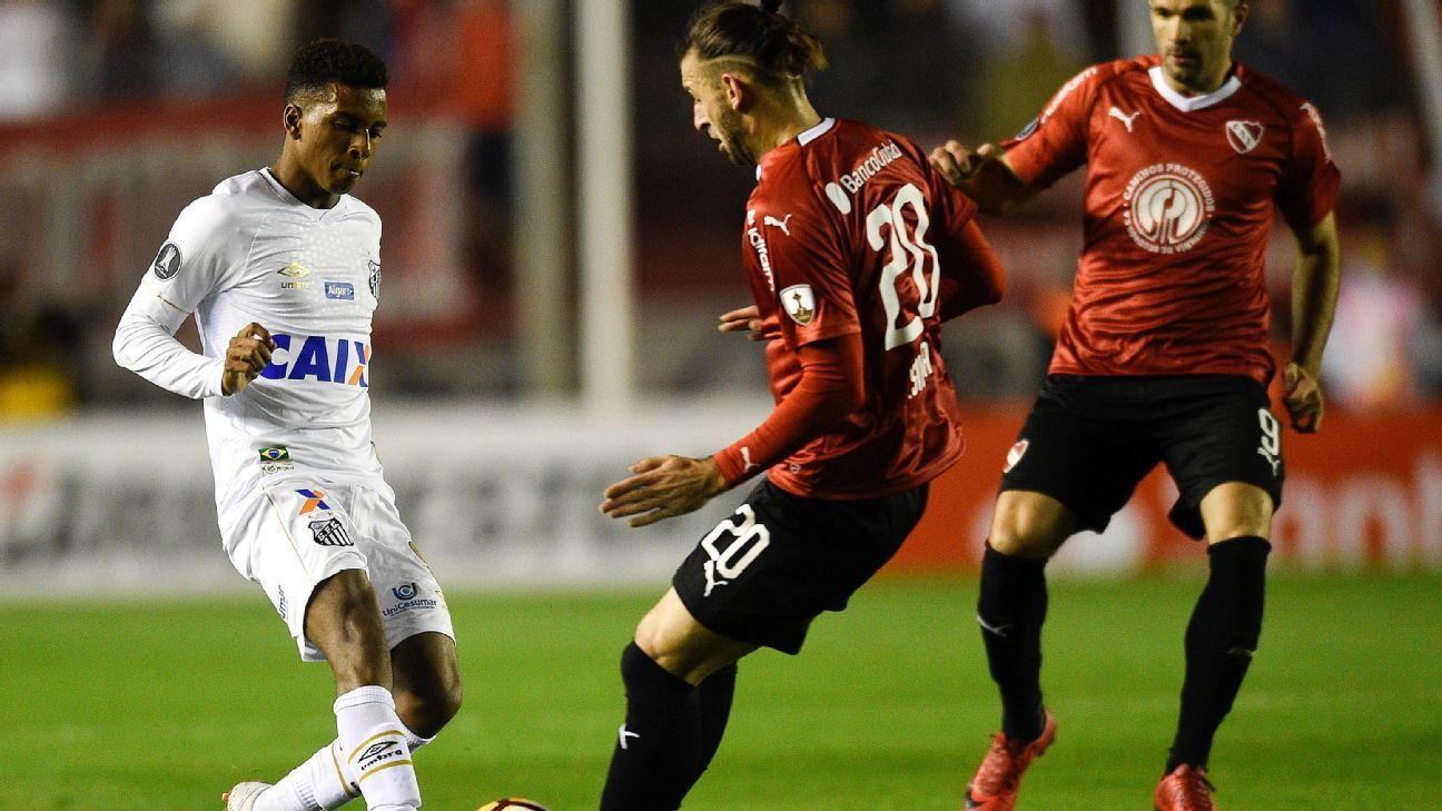 Santos' brilliant youngster Rodrygo didn't get much chance to shine Tuesday night against Independiente.