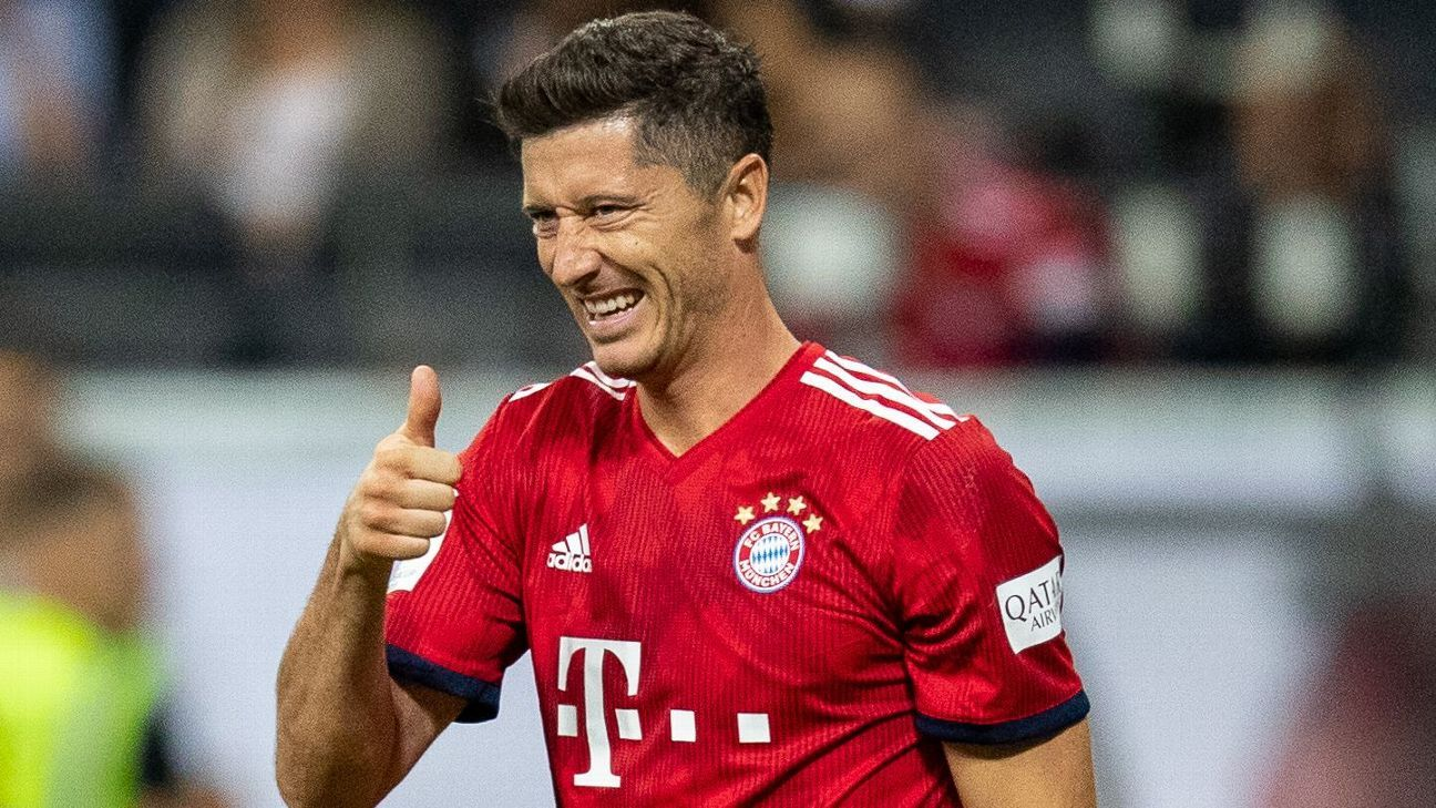 Robert Lewandowski is all-smiles at Bayern Munich again.