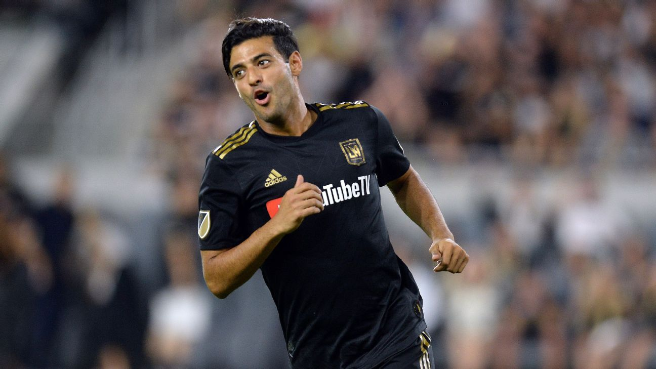 Carlos Vela reacts during LAFC's MLS match against Sporting Kansas City.