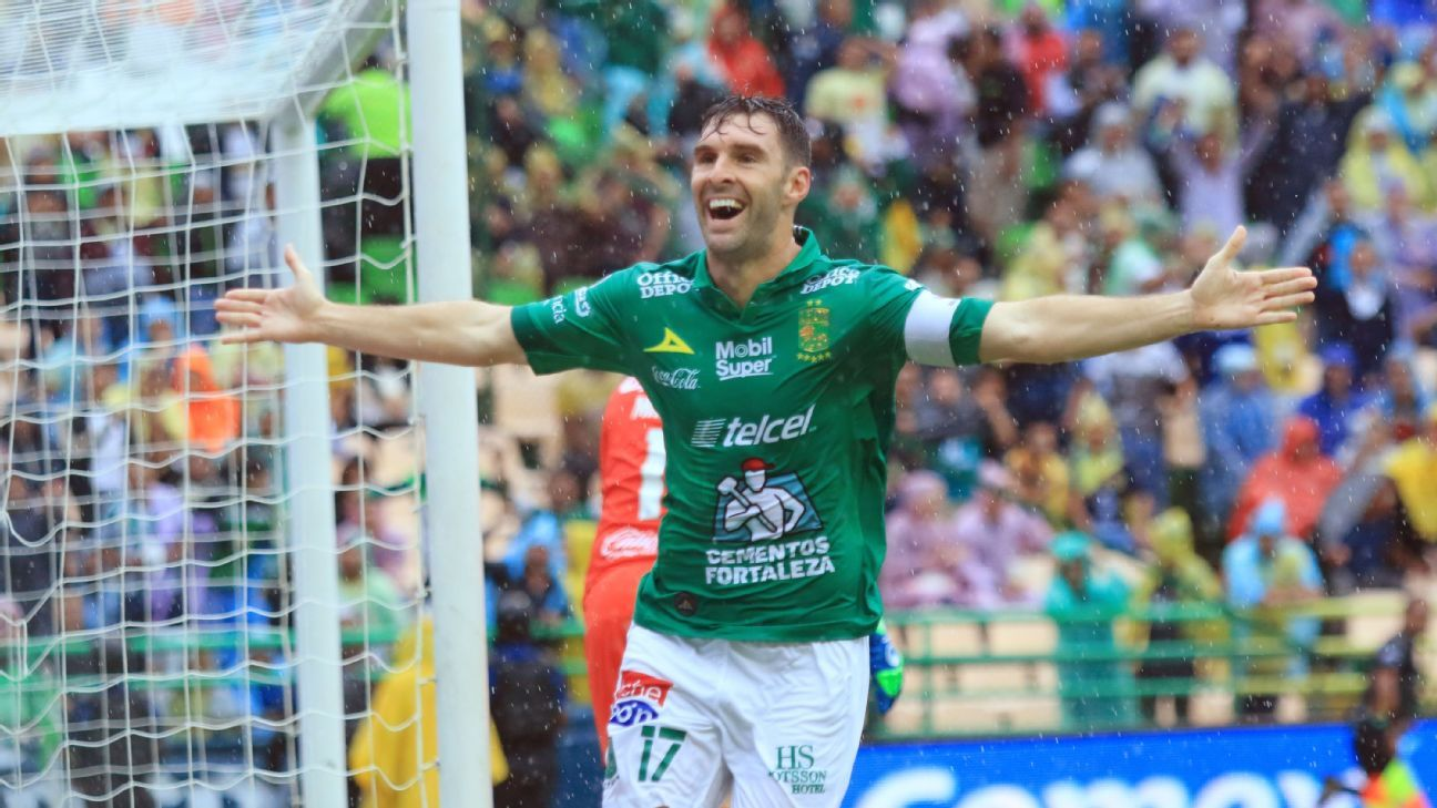 Mauro Boselli became the second Leon player to reach 100 career goals in Liga MX play.