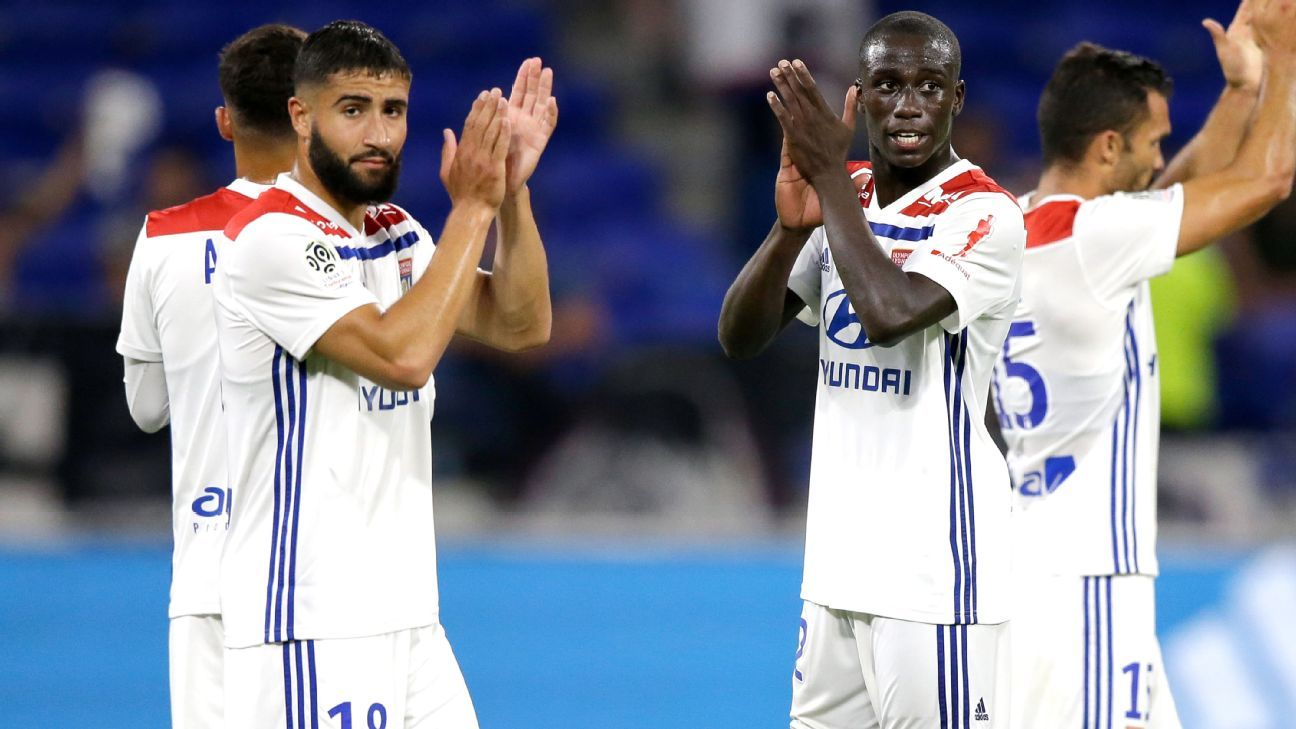 Nabil Fekir, left, made his first appearance of the season as Lyon beat Strasbourg.