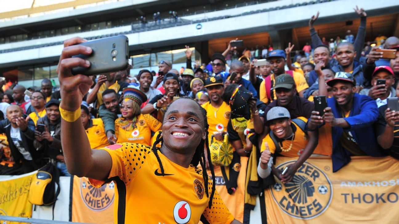 Siphiwe Tshabalala leaves Kaizer Chiefs after 11 years