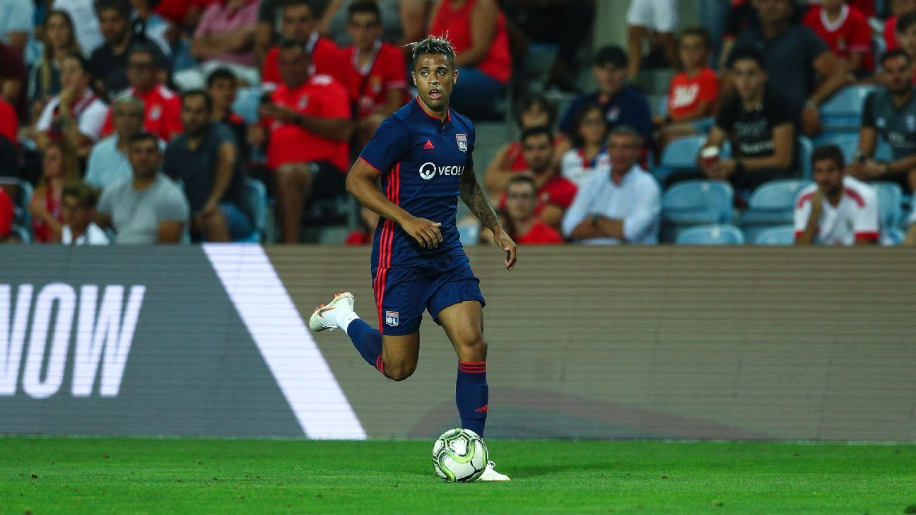 Lyon's Mariano Diaz during a friendly against Benfica.