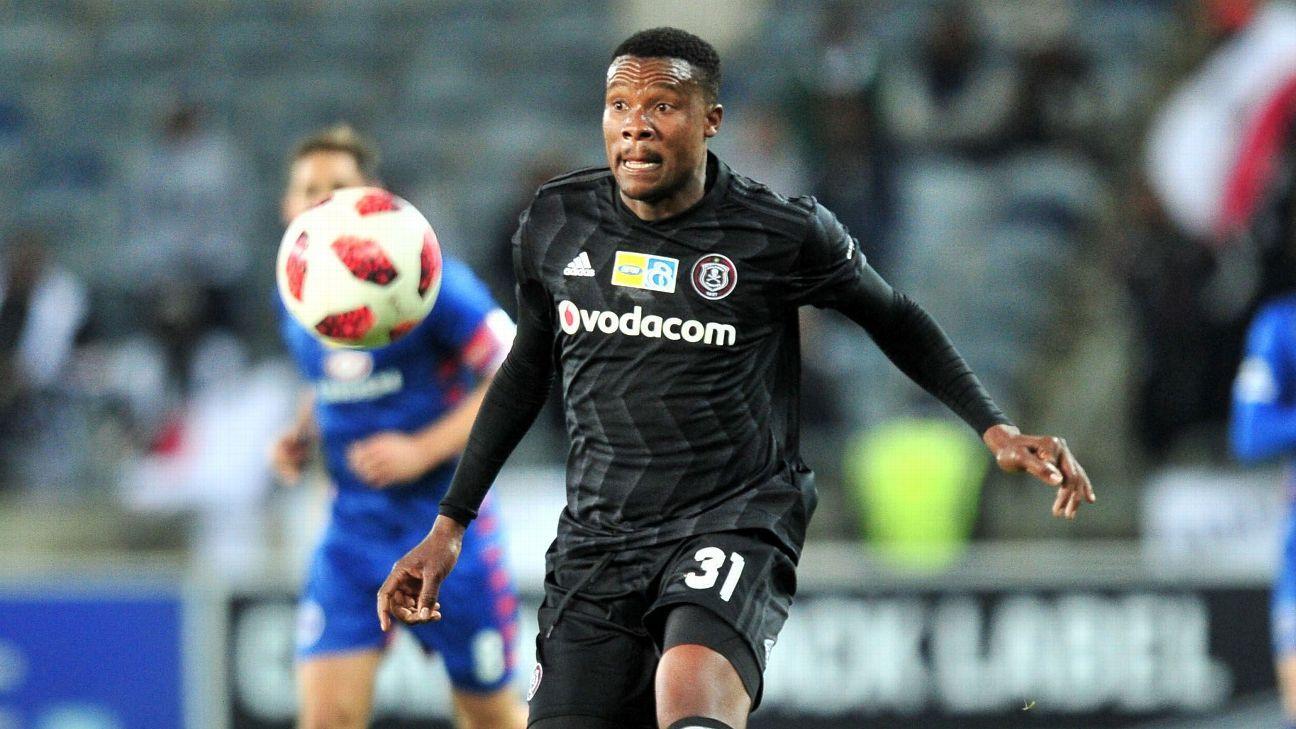 Thamsanqa Gabuza in action for Orlando Pirates