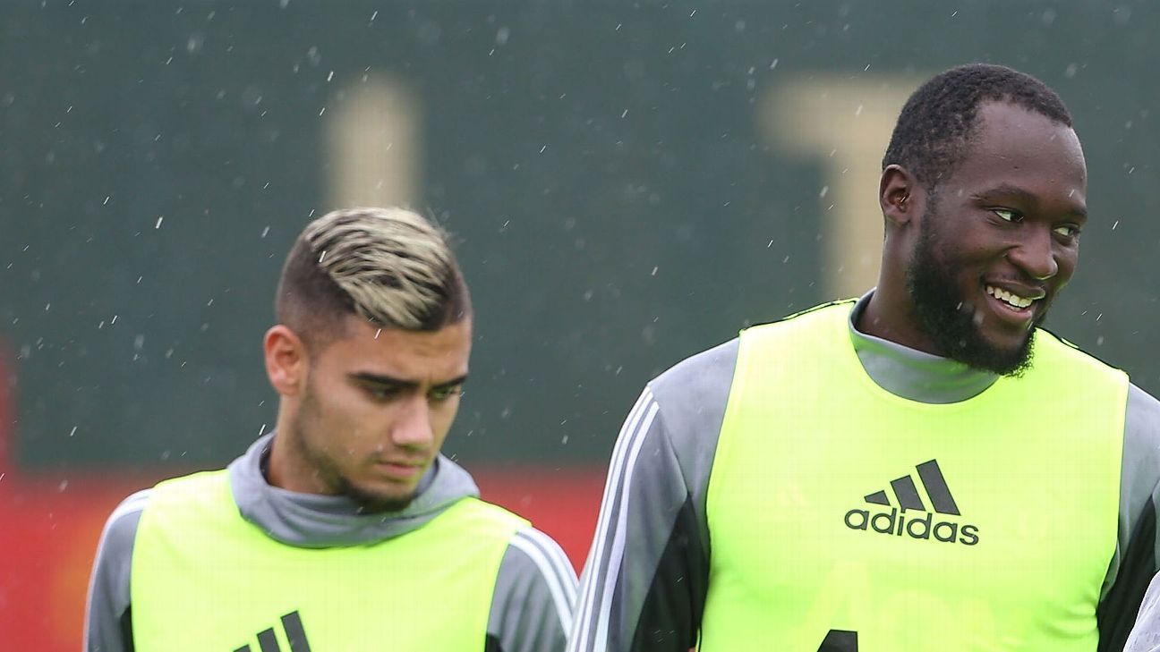 Andreas Pereira with Romelu Lukaku durinf Manchester United training