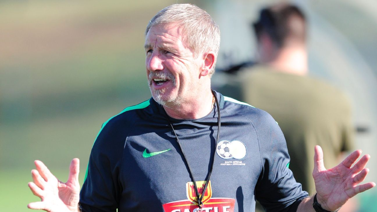 Bafana Bafana head coach Stuart Baxter during a South Africa training session