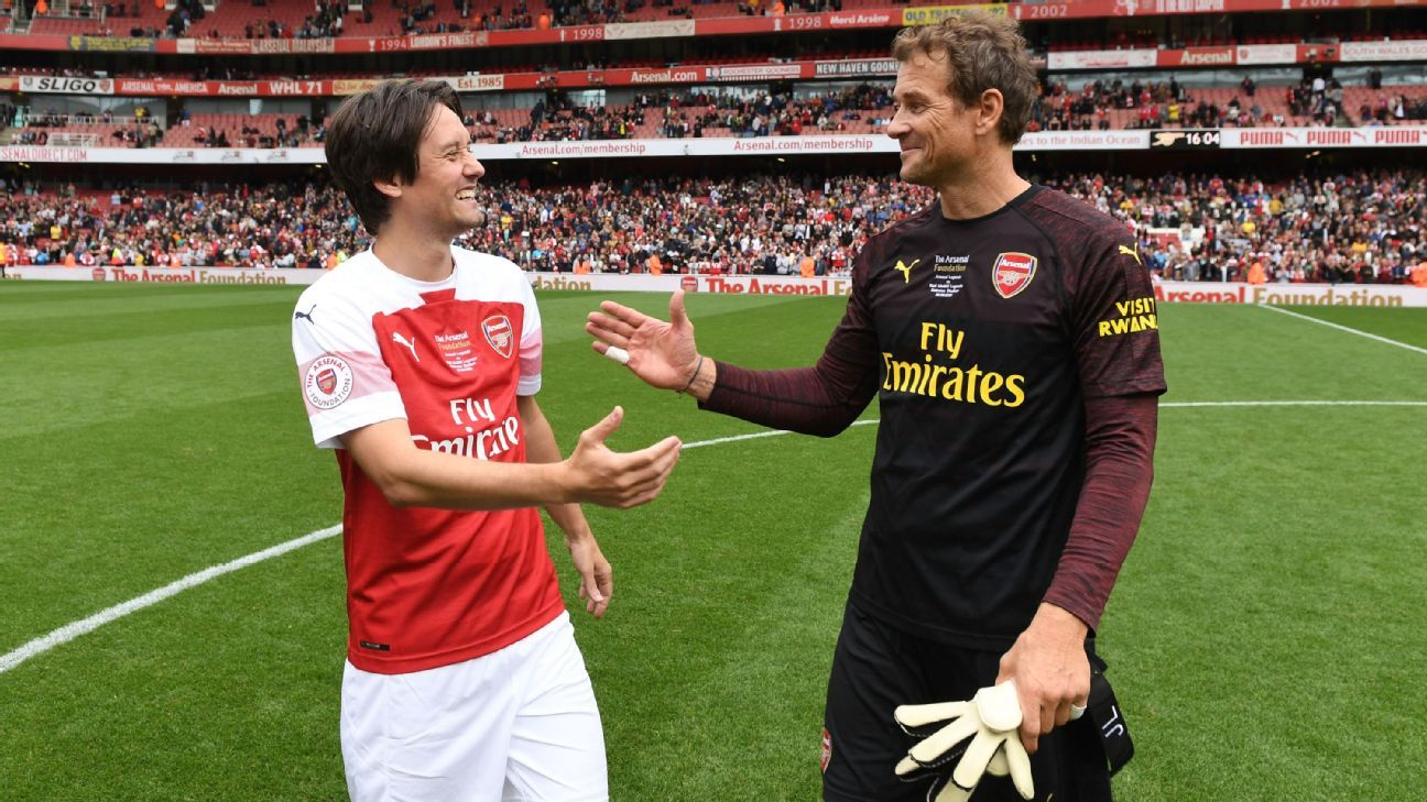 Tomas Rosicky and Lens Lehmann after the match between Arsenal Legends and Real Madrid Legends