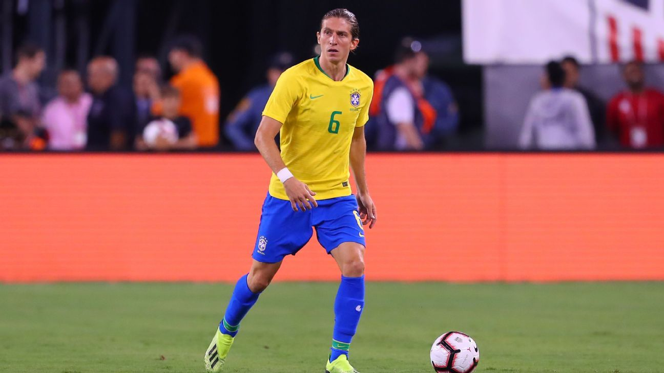 Filipe Luis controls the ball during Brazil's friendly win over the U.S.