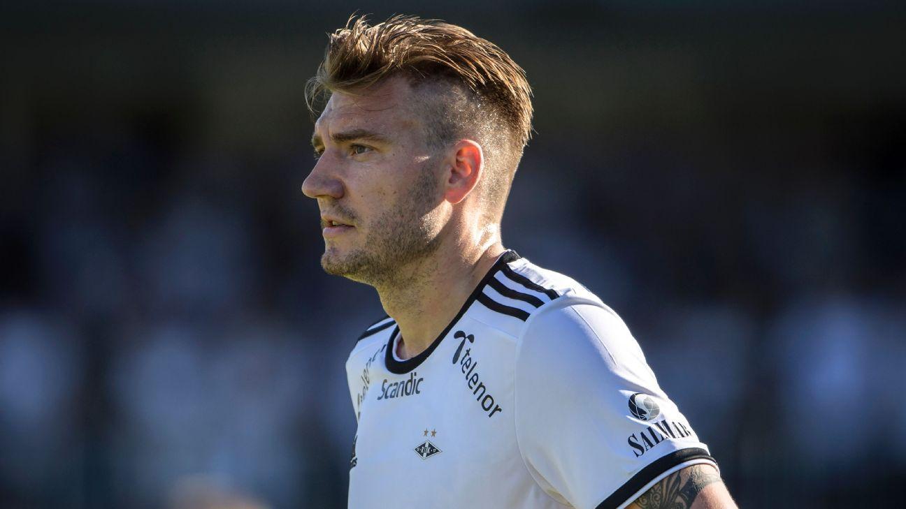 Nicklas Bendtner joined Rosenborg in 2017
